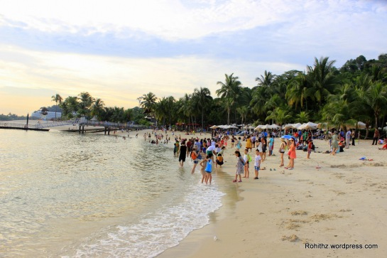 Siloso Beach sentosa was a pleasant beach and not packed like the other beaches in Singapore..