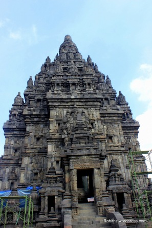 The Shiva temple is the tallest and largest structure in Prambanan.