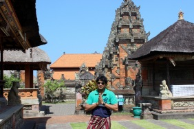 Thats me wearing Sarong- Sarong is mandatory to enter into the temples