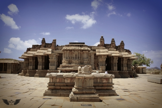 This temple represents the culmination of the Vijayanagara style of art & architecture.. Stone chariot a.k.a Garuda mantapa. This is the most extravagant sculpture in Hampi.