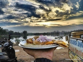 Plate in my hands...Sunrise+breakfast=great combo